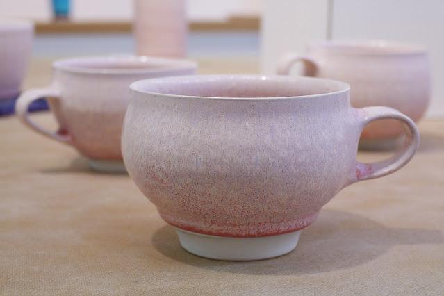 結晶釉 カップ(税込価格 ¥6,600) サイズ:口径9.0cm×11.5cm×高さ6.5cm