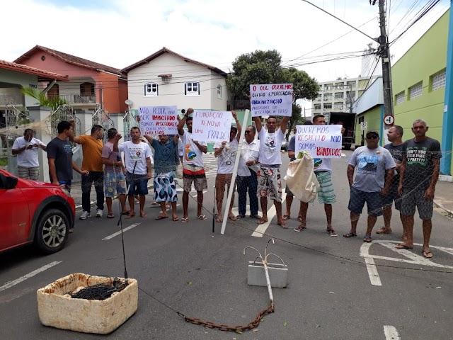 Pescadores fazem manifestação em Aracruz