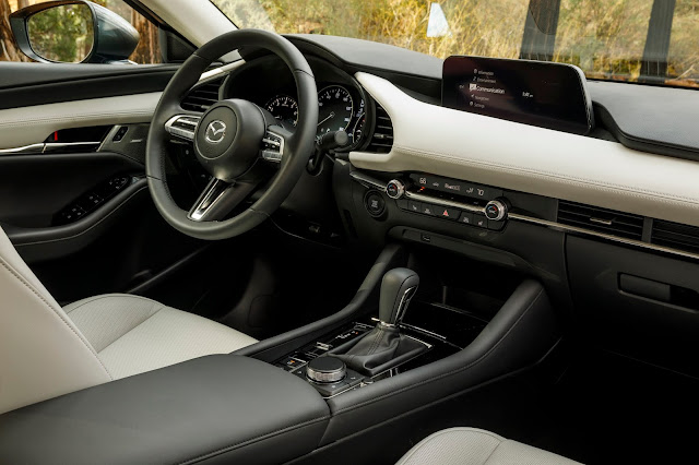 Interior view of 2019 Mazda 3