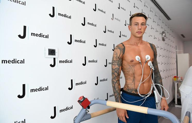 """Bernardeschi: """"Fino alla fine, forza Juventus!"""""""