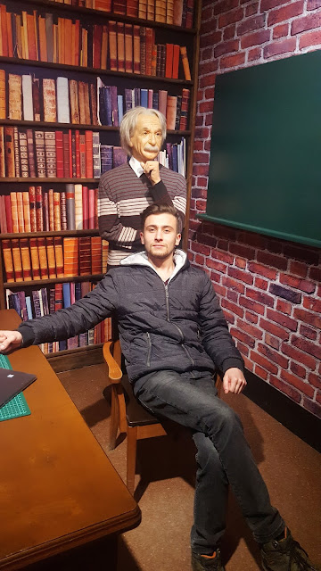 Albert Einstein and Harun İstenci