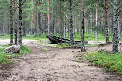 vene kuivalla maalla