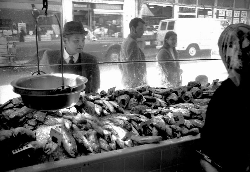 46 Amazing Black and White Photos That Capture Street Scenes of San Francisco in the 1970s