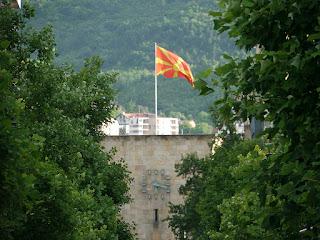 Το ζήτημα των Σκοπίων και το περιορισμένο ενδιαφέρον των Ελλήνων