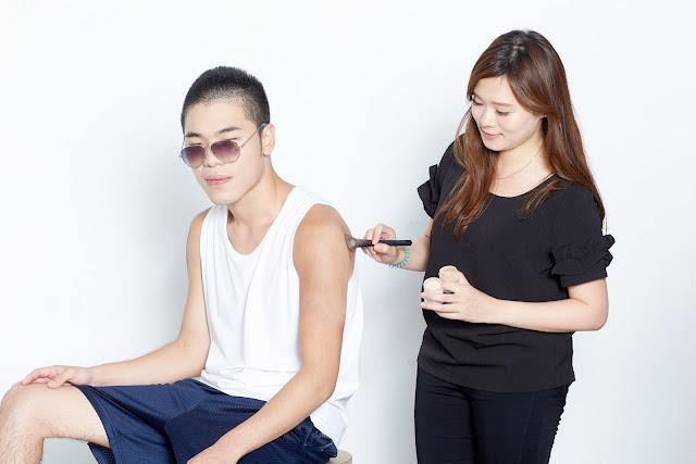 不論是針對局部的疤痕、胎記和刺青,或是全臉底妝、3D修容皆可使用的遮瑕棒!具高遮瑕力,又輕薄細緻的粉質,不易結塊、浮粉。
