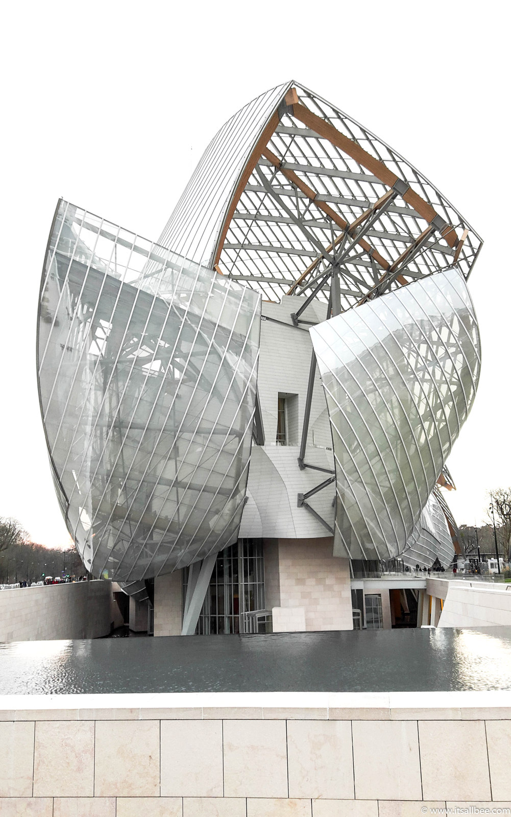 Foundation Louis Vuitton In Paris - Photo by Bianca - www.itsallbee.com