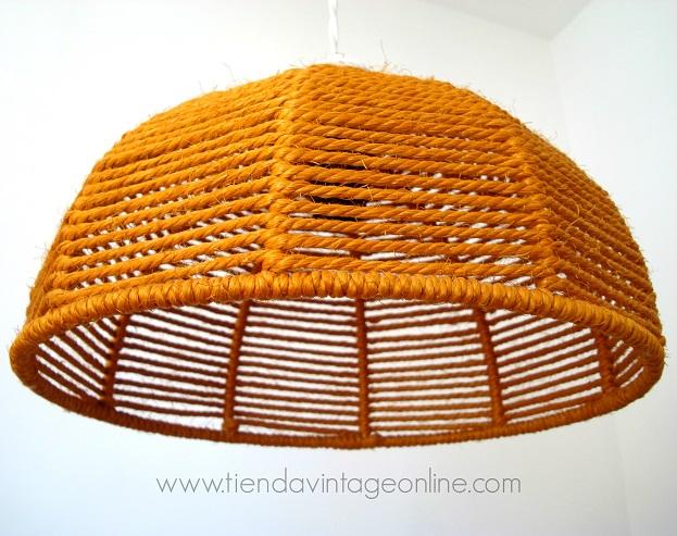 Comprar lámpara para salón estilo danés fabricada con cuerdas naranjas
