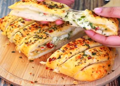 Cheesy garlic bread dominos
