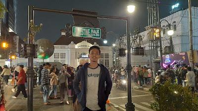 Palestine Walk, Kota Bandung Malam Hari