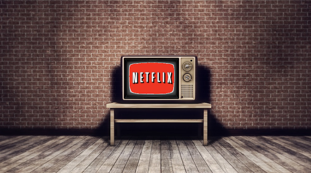Televisione retro con trasmissione NetFlix
