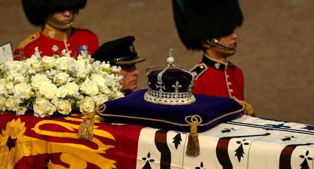 Kohinoor atas keranda Queen Mother