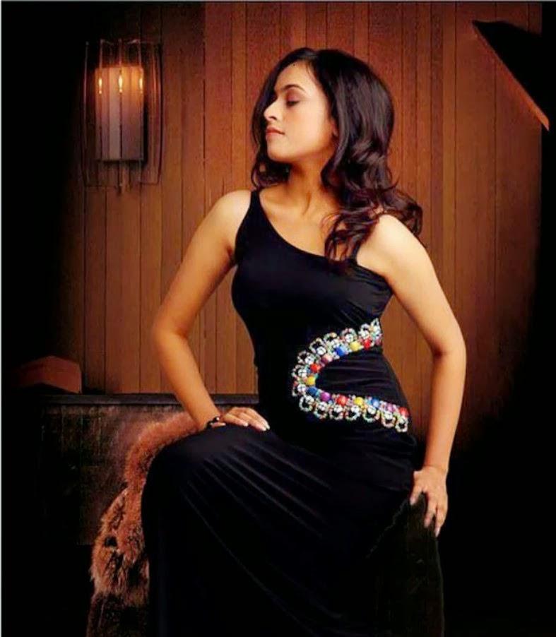 Sri Divya latest Hot Photos - Actress Masala Gallery