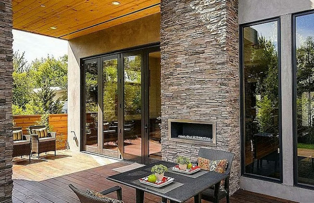 Terrace around the fireplace