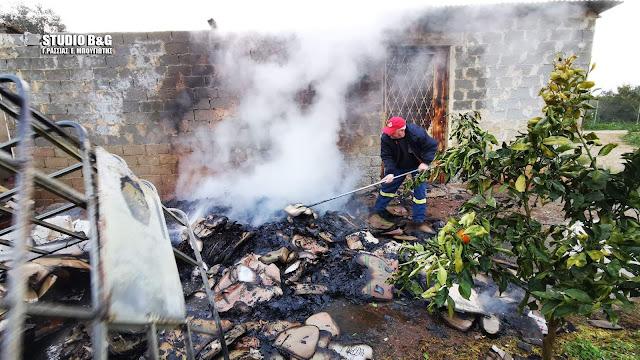 Αλλοδαπός έκαψε την αποθήκη στο Άργος που διέμενε για εκδίκηση στον ιδιοκτήτη