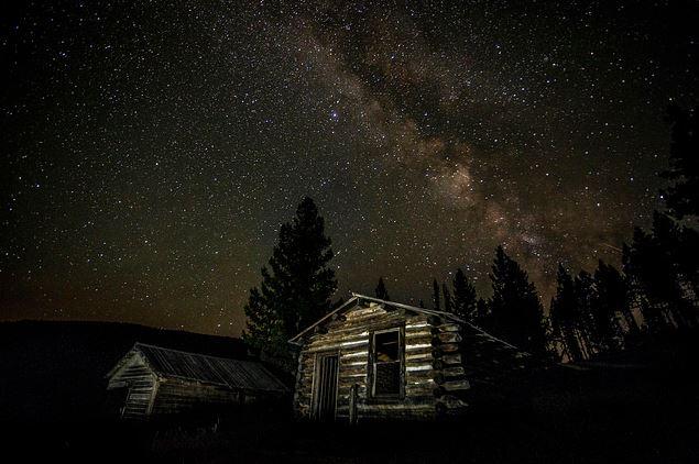 Garnet, Montana, nos Estados Unidos, é uma cidade deserta desde os anos 1930, mas ainda é frequentemente visitada por sua beleza natural