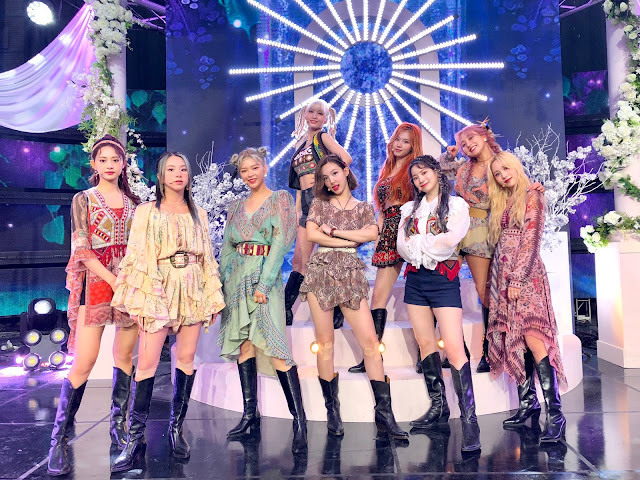 Twice 1st More and More Win