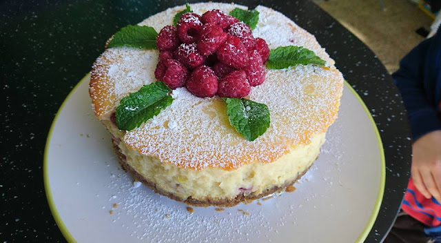 Baked Raspberry and Lemon Cheesecake