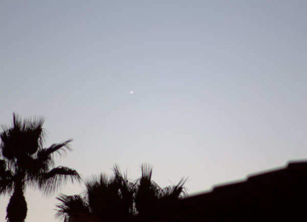 Mercury in this early (6:03 am), DSLR, 300 mm, ISO 100, 4 second shot (Source: Palmia Observatory)