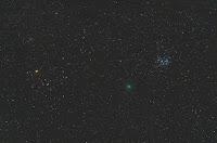 Kometa 46P/Wirtanen, zdjęcie z 15.12.2014 r. Credits: Carmine Gargiulo. SantAgnello, Włochy Pentax K5 + SMC Pentax K55/2 na f/5.6, ISO 8000, eksp. 21x30 sek.