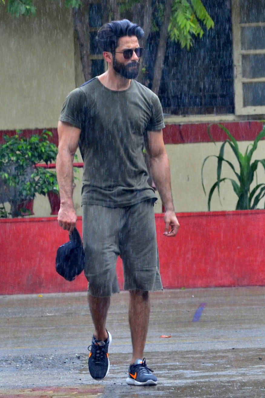 Bollywood actor Shahid Kapoor at a Gym In Bandra, Mumbai