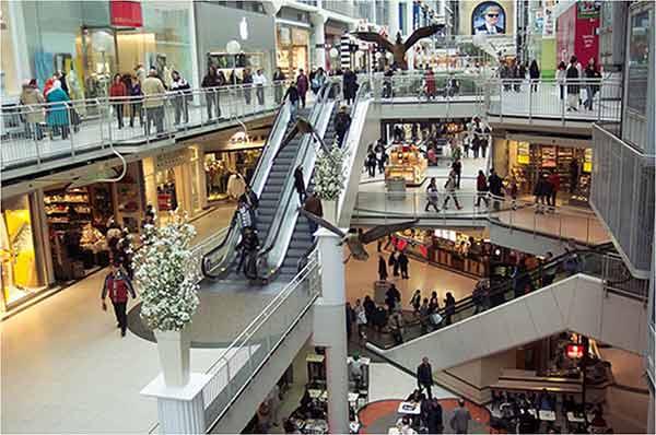 Pesona Mall Sebagai Ruang Belanja Publik