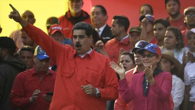 Maduro asegura que su país se está liberando del dólar de EEUU
