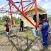 Sitipol Polres Lingga bersama Tim Bid.TIK Polda Kepri Perbaiki Jaringan Komunikasi Polri di Desa Batu Kacang