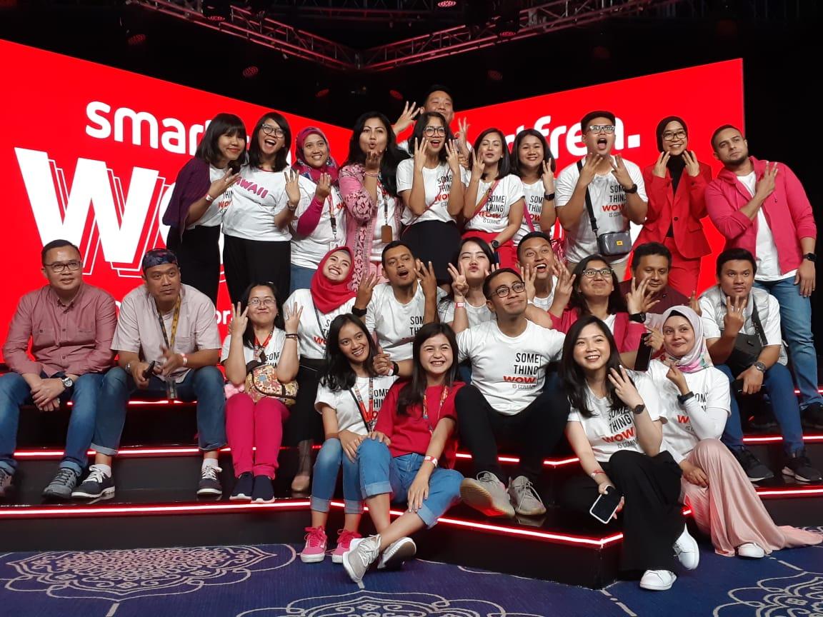 Smartfren WOW Carnival : Band Dance Cover Competition Lagu Meraih Mimpi