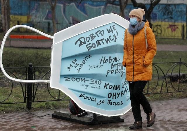 Ukrajnában csaknem kilencezer új beteget jegyeztek fel
