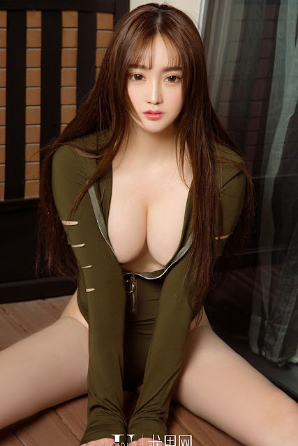 Hot and sexy big boobs photos of beautiful busty asian hottie chick Chinese booty model Jin Zi Lin photo highlights on Pinays Finest sexy nude photo collection site.