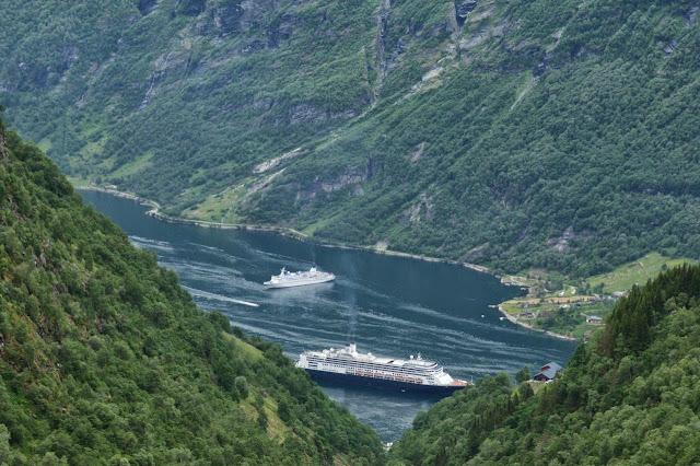 Noorwegen uitzicht op Geirangerfjord