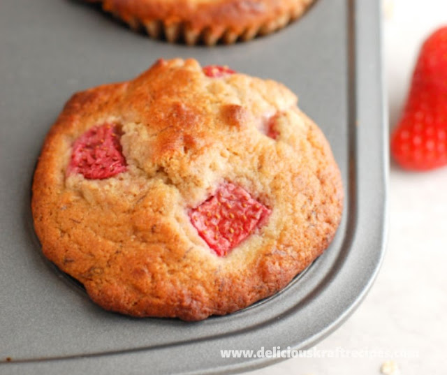 HEALTHY STAWBERRY BANANA MUFFINS