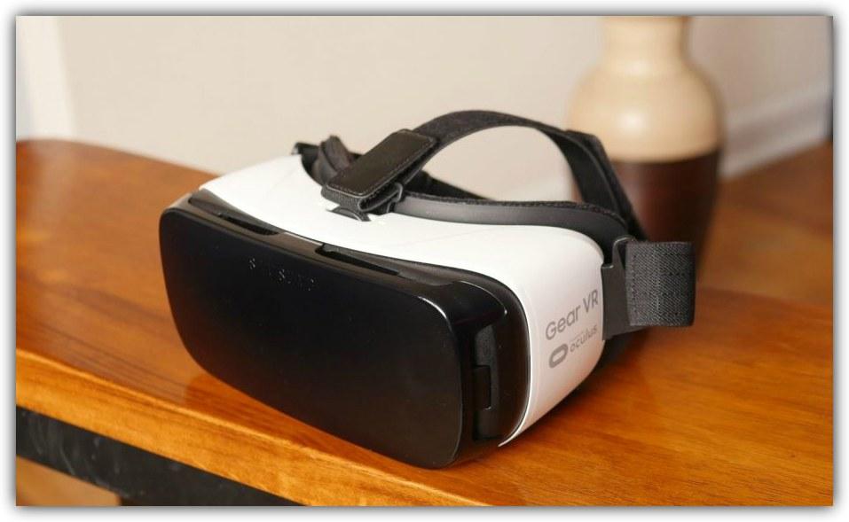 3be8a45c9 سامسونج جير VR هي واحدة من أنظمة الواقع الافتراضي التي انتشرت بسرعة، ولكن  ان كنت تريد استخدام احدث نسخة من نظارة Gear VR، تحتاج إلى احد هواتف سامسونج  ...