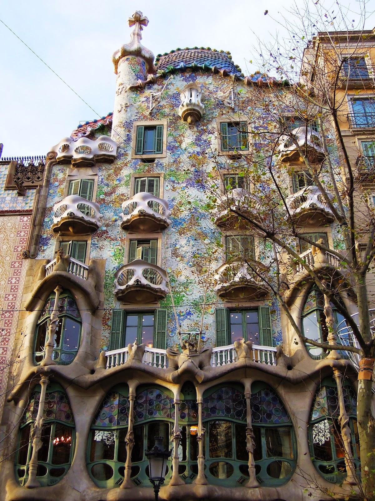 La facciata di Casa Battlò