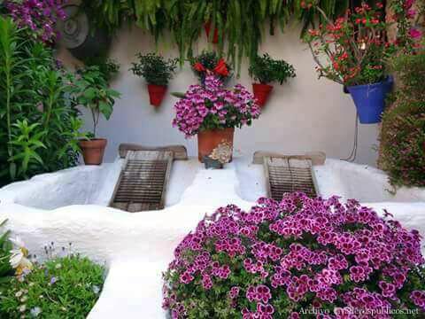 Lavadero en un patio de c rdoba lavaderos p blicos for Lavaderos en patios pequenos