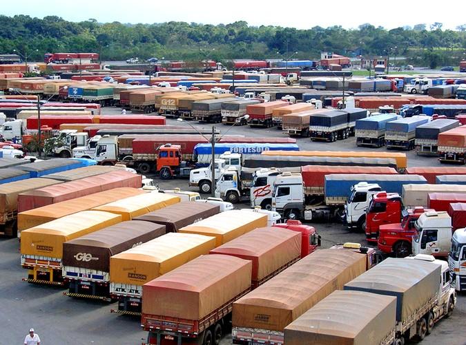 Porto de Paranaguá recebeu 410 mil caminhões, sem sofrer com filas