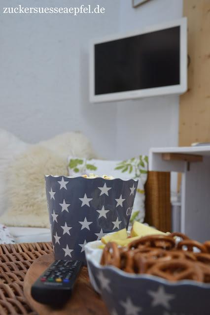 anzeige fernsehen mit oder wieviel fernsehen schaut eigentlich unsere familie. Black Bedroom Furniture Sets. Home Design Ideas