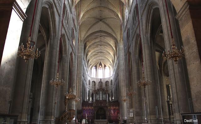 La nef de la cathédrale Sainte-Marie à Auch