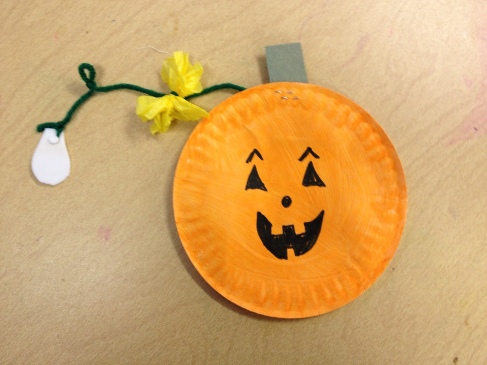 Easy Halloween Paper Crafts For Preschoolers