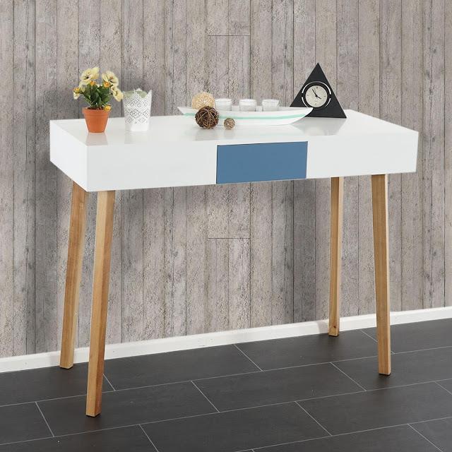 Mesa estilo nórdico de consola