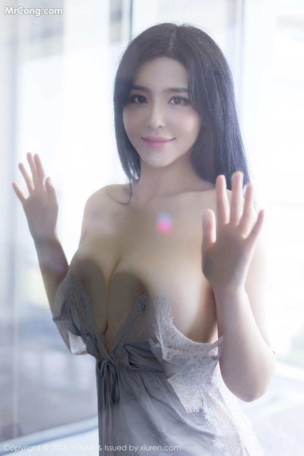Image YouMi-Vol.227-Liu-Yu-Er-MrCong.com-005 in post YouMi Vol.227: Người mẫu Liu Yu Er (刘钰儿) (44 ảnh)