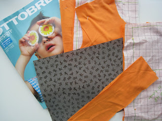 Sneak preview; oranje shirt met flexfolie voetbal in wording
