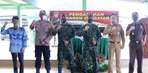 Terima Kunjungan Danrem 043, Bupati Waykanan Harapkan Dukungan TNI Dalam Pembangunan
