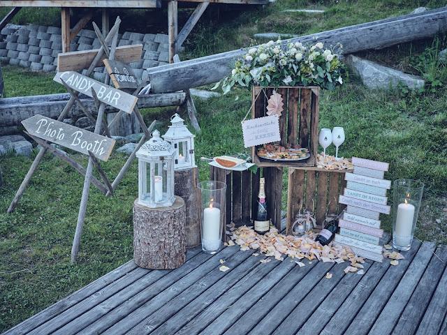 Hochzeitsempfang, Finger Food, Buffet, Sommerhochzeit 2020, Lifestyle Hochzeit in den Bergen, Zillertal, Tirol, Alpenwelt-Resort, Navy Blue, Blush, Gold, Hochzeitsplanung 4 wedding & events Uschi Glas, Hochzeitsfotografie Marc Gilsdorf Alpenwedding