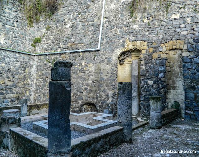 Ninfeu da Casa do Esqueleto, Herculano, Itália