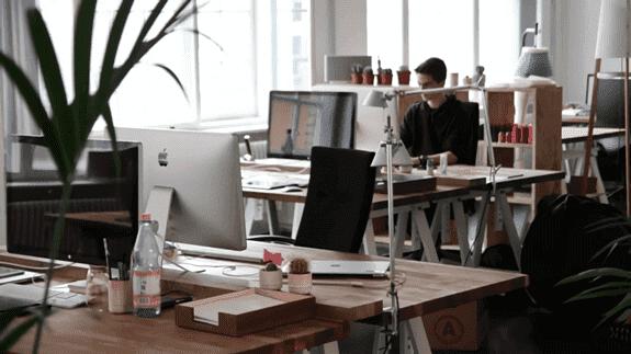 Cara Bersihkan Lantai Kantor Perusahaan Yang Kotor Agar Mood Kerja Lebih Bagus