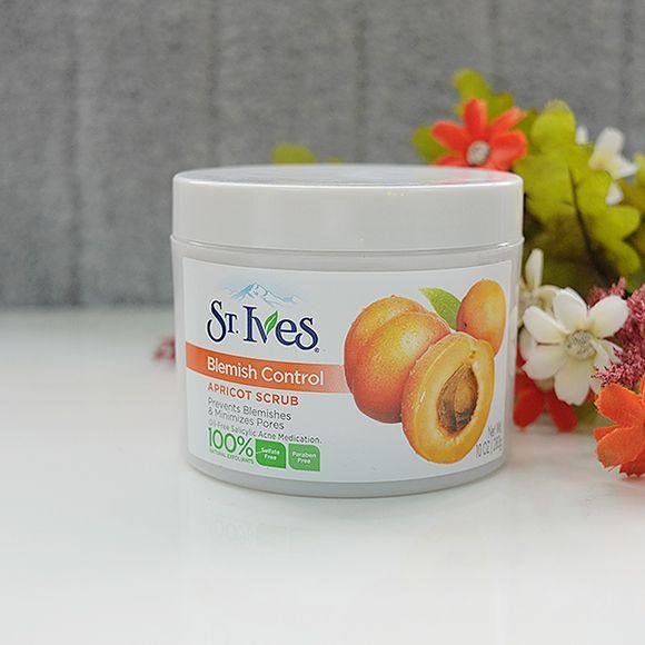 review Tẩy tế bào chết St Ives Blemish Control Apricot Scrub