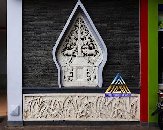 Roster / Loster Gambar Kayon (Gunungan) untuk ventilasi udara dalam ruangan rumah yang dibuat dari batu alam paras jogja / batu putih