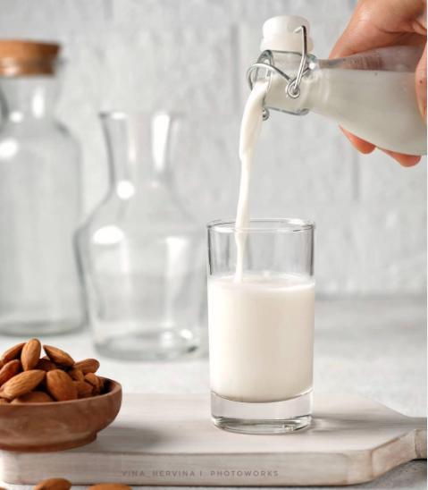 Begini Cara Mudah Membuat Raw almond milk (sweetened)