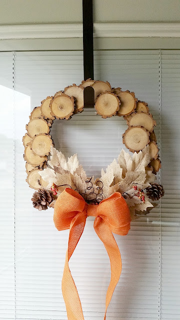 Fall Autumn porch stoop decor wood slice wreath DIY
